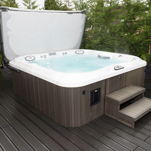 spa jacuzzi showroom finistere